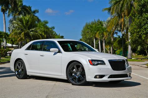 chrysler 300 srt8 pictures 2013 chrysler 300 srt8 picture 528581 car review top