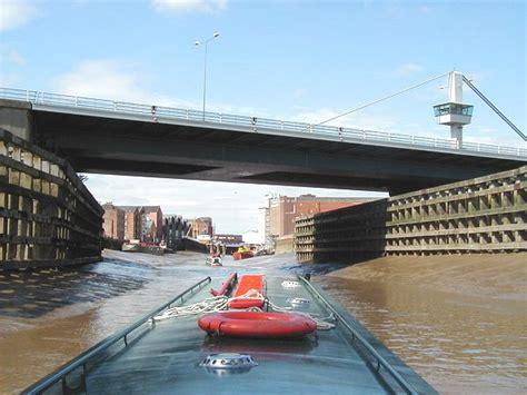 hull swing bridge bridge