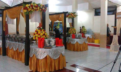 contoh dekorasi catering kuningputih emasperak ivanna catering  decoration malang
