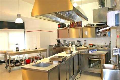 atelier cuisine strasbourg strasbourg l atelier des chefs conjugue cuisine et formation