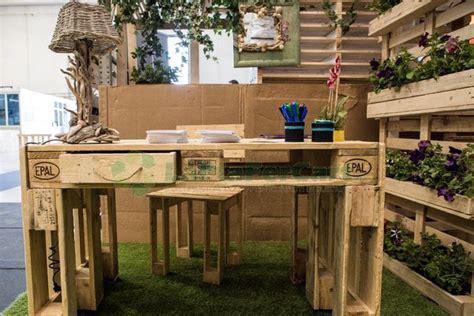 mobili con pedane di legno mobili divani e arredo con bancali
