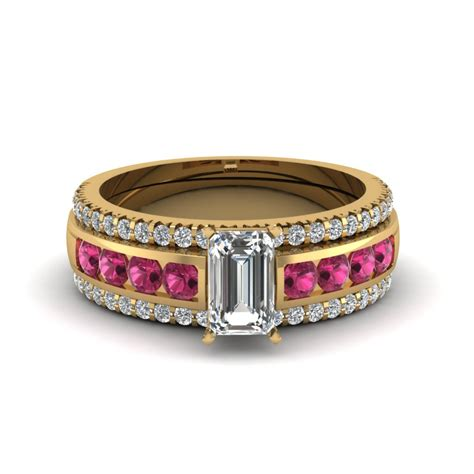 browse our emerald trio wedding ring sets