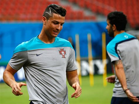 how to get ronaldos hair fifa 15 cristiano ronaldo haircut did portugal star get zig zags