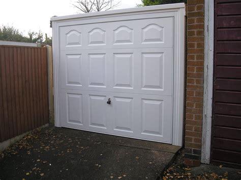 Garage Door Replacement Uk Your Garage Door Repaired In Nottingham Derby And Leicester