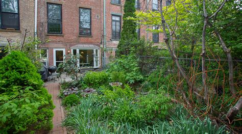 park slope brownstone has the yard for summer 6sqft
