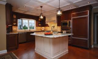 Custom kitchens cabinets designs with mahogany cabinets kitchen