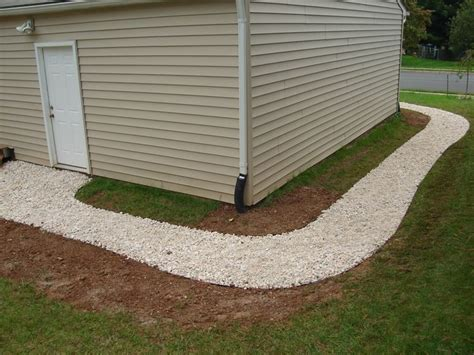 gravel around house 17 best images about walkways on pinterest stone walkways flagstone walkway and