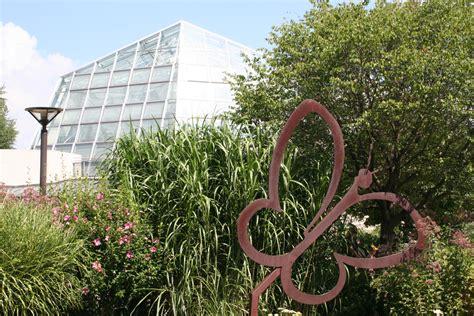 butterfly garden niagara falls gardens of canada 171 the laptop gardener