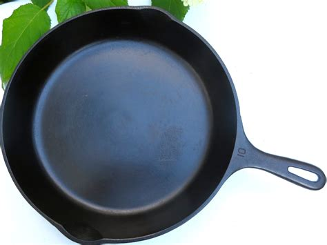 Ideas For Iron Frying Pan Design Ideas For Iron Frying Pan Design 23047