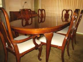 Mahogany Dining Table And Chairs Rich Mahogany Dining Table With Six Mahogany Chairs And Matching China Cabinet