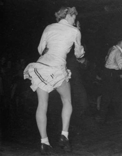 swing dancing london jitterbug london 1945 l esprit swing s dance theater