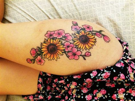 sunflower thigh tattoo 25 best ideas about sunflower tattoos on