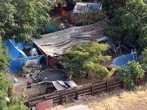 jaycee dugard backyard photos the hellish compound where jaycee dugard was held