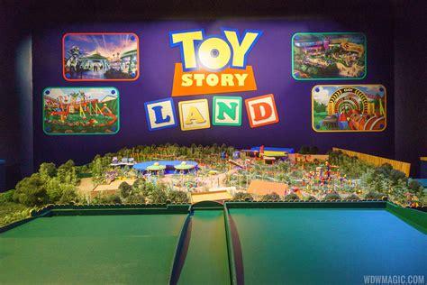 dream studio mouse trip model photos walt disney presents unveils toy story land and