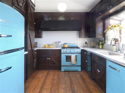 Retro Kitchen Island by Colorful Painted Kitchen Cabinet Ideas Hgtv S Decorating