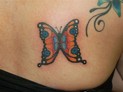traditional butterfly tattoo traditional butterfly drawings