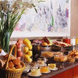breakfast buffet أنا من البلد دي