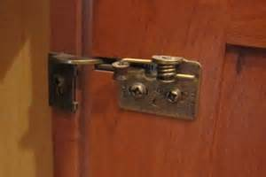 Hinges For Kitchen Cabinets by Better Kitchen Remodeling Hinges On Better Components
