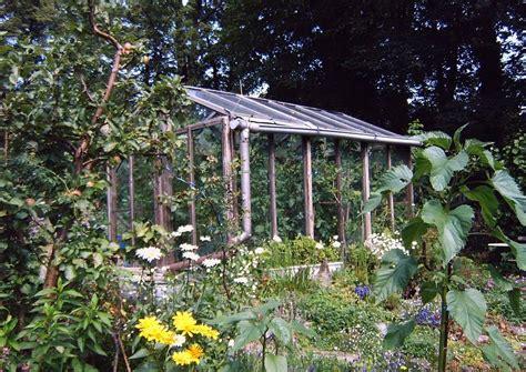 garten glashaus glashaus mit tomaten tomatenpflanzen