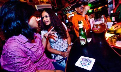 top bars in mumbai 10 of the best bars and clubs in mumbai welcomenri