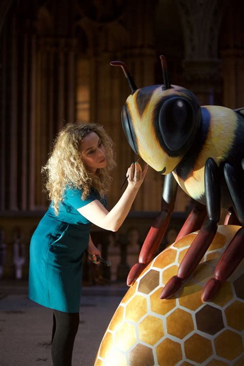 bee   city manchester set    giant