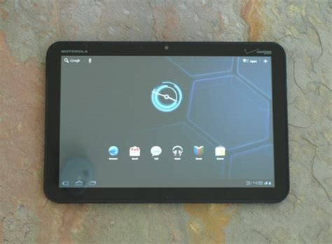 verizon android tablet review motorola xoom is android honeycomb an killer