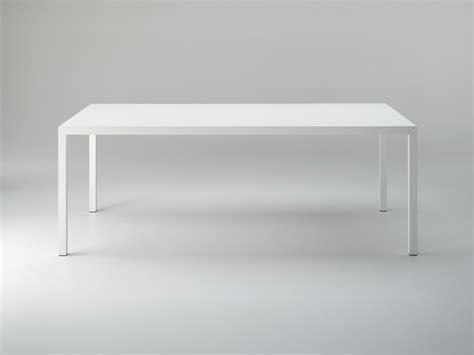gartenmöbel aus aluminium und teakholz tisch aus aluminium esstisch tisch airrange m bel