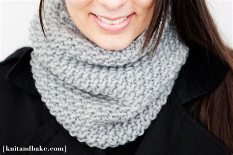 how to knit cowl neck scarf 25 easy diy scarf tutorials