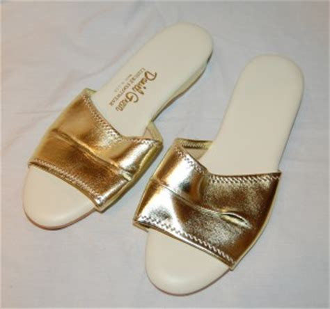 gold bedroom slippers vtg 70s daniel green sexy gold lame bedroom slippers sz 10 padded fun fab ebay