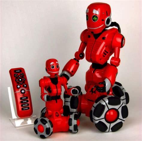 Ces 2007 Pero The Play Entertaining Robot by Tribot El Robot De Tres Ruedas De Wowwee Tuexperto