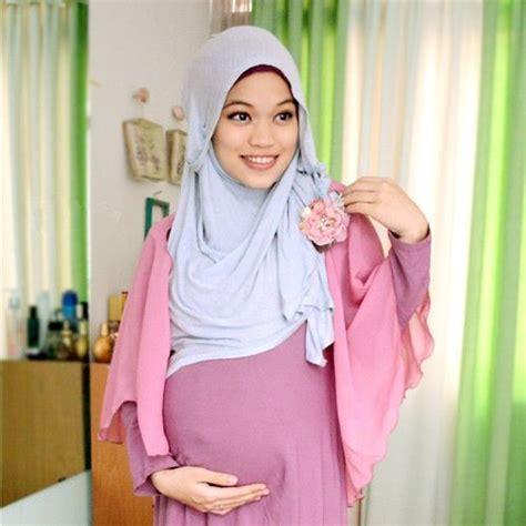 Manset Untuk Ibu Menyusui tips tepat memilih model baju untuk ibu menyusui