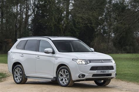 mitsubishi outlander 2016 white mitsubishi outlander phev u s launch set for q2 2016