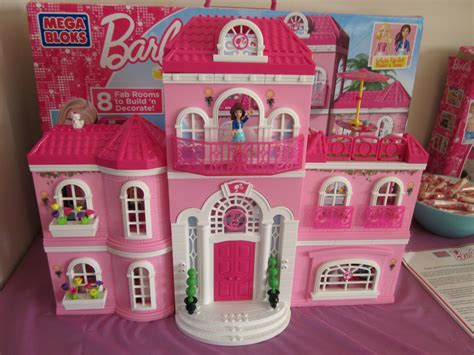 barbie house design barbie dollhouse wallpaper wallpapersafari
