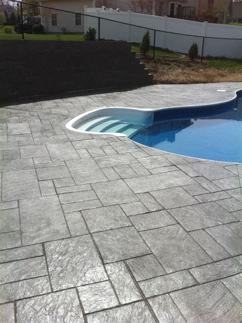 how much does it cost to install sted concrete patio