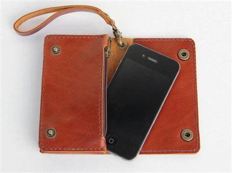 Handmade Leather Iphone - the handmade leather wallet for iphone 4 and other