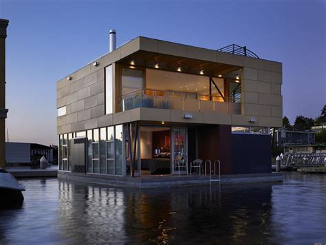 lake union houseboat i m on a house boat floating home in lake union