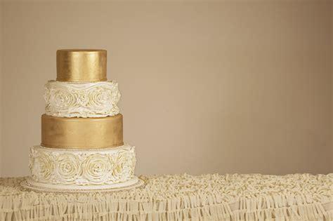 Hochzeitstorte Gold by Die Perfekte Hochzeitstorte Bestellen Hukendu Ratgeber