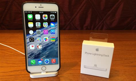 apple iphone lightning dock review simple design with broad compatibility but some stability