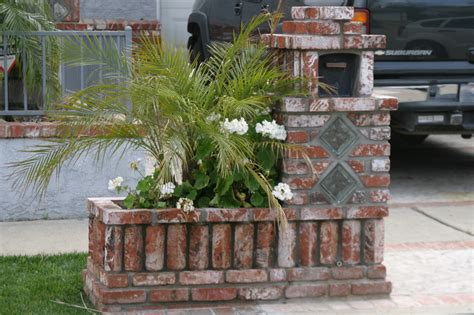 Mailbox Planter Ideas by Mailboxs On Brick Mailbox Mail Boxes And Bricks