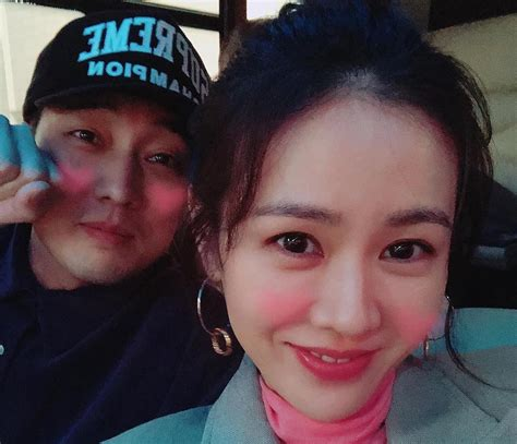 so ji sub son ye jin be with you so ji sub shows support for son ye jin and her drama soompi