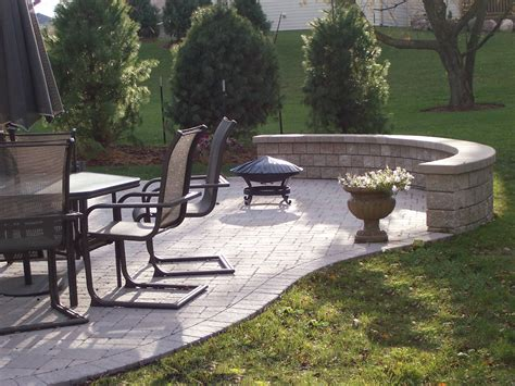 Paver Patio With Retaining Wall Pin By Chiefchopaholic On Garden