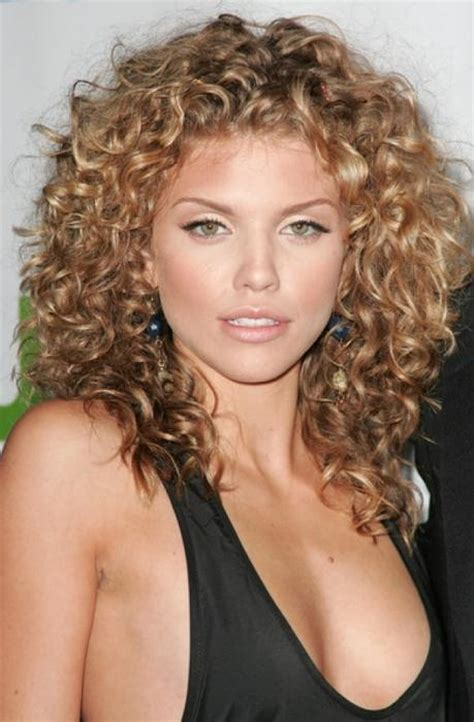 Haircuts For Thick Wavy Hair Over 50