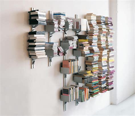 mensola a parete totem porta libri a parete mensole aico design