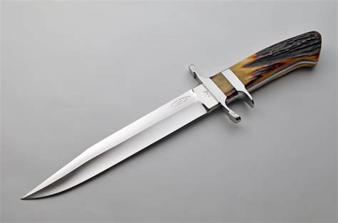 what is a fixed blade exquisite knives
