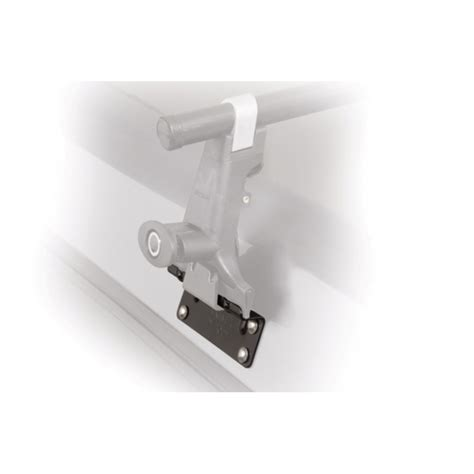 yakima light mounting brackets 8008001 yakima widebody cer shell roof rack mounting