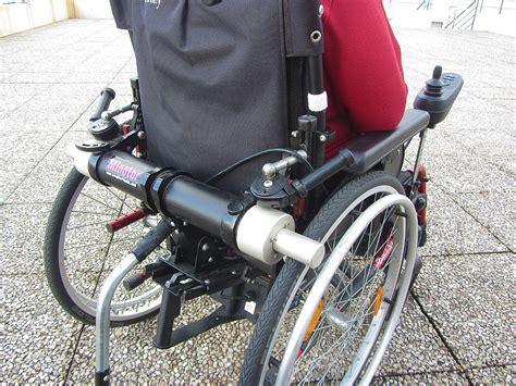 un fauteuil roulant l 233 ger m 234 me avec l installation d un moteur
