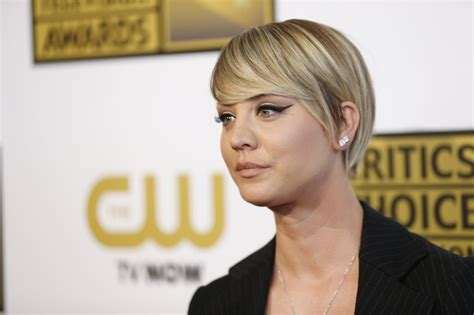 puctures of penny new hair cut bigvbang theroy kaley cuoco 2014 critics choice television awards in