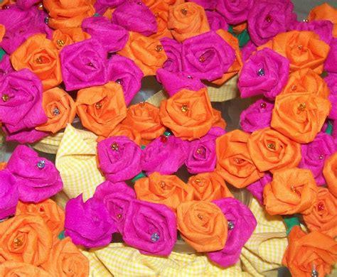 boccioli di fiori fiori di carta crespa foto pourfemme