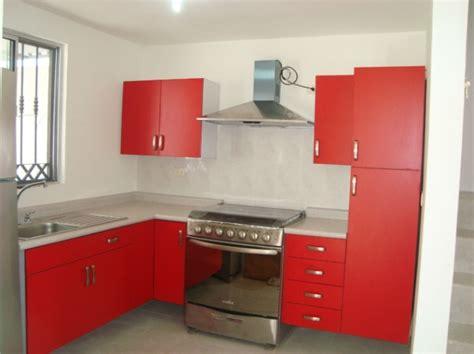foto cocina roja de cocinas  closets del valle