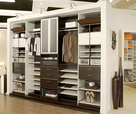 Armadi Closet by This Is A Sle Closet It Shows Option For Organizing